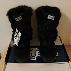 Pajar fur booties
